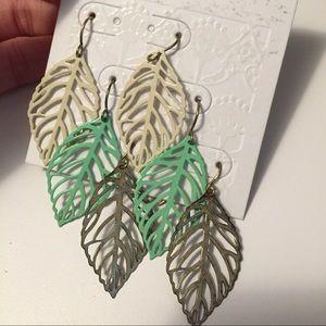 [NEW] 3-pack leaf earrings